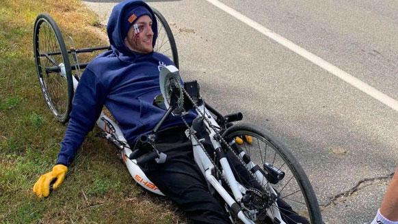 Il fait Montréal à Québec en fauteuil roulant
