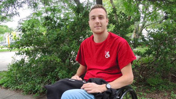 Il fera Montréal à Québec en fauteuil roulant